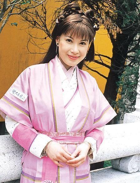 Dàn mỹ nhân Ỷ Thiên Đồ Long Ký TVB sau 18 năm: Chỉ 2 người có cuộc sống thập toàn thập mỹ, còn lại đánh mất hào quang chật vật sống qua ngày  - Ảnh 9.