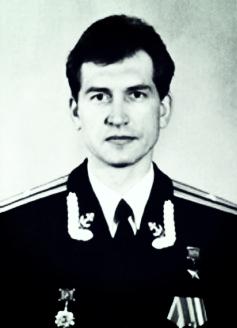 Sứ mệnh điên rồ của anh hùng Liên Xô cuối cùng: Chưa từng có tiền lệ trong lịch sử! - Ảnh 2.