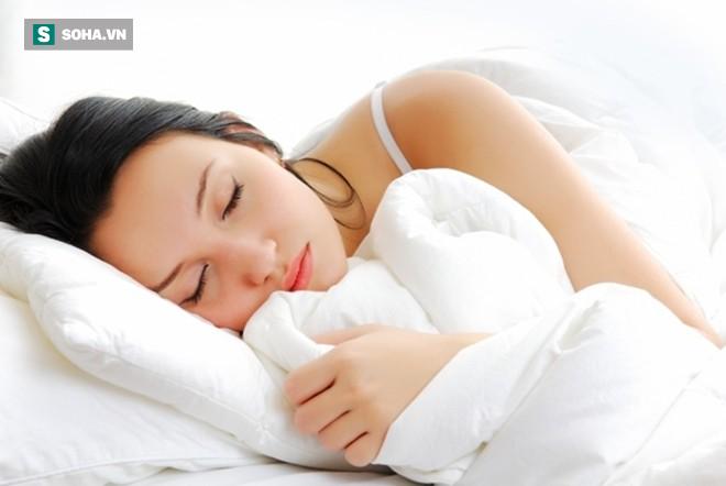 Trằn trọc, khó ngủ: Hãy thử áp dụng ngay 7 mẹo hữu ích này! - Ảnh 3.