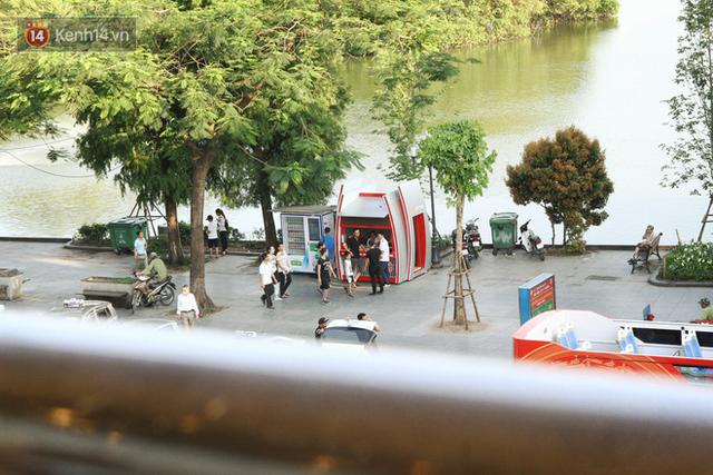 Sau 1 tuần lăn phân phốih, xe buýt mui trần giá vé 300 nghìn đồng/4 tiếng đìu hiu khách ở Hà Nội - Ảnh 4.
