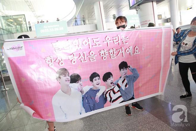 Quả bom sex Hyuna cùng dàn mỹ nam của Highlight chật vật di chuyển giữa biển fan Việt Nam - Ảnh 2.