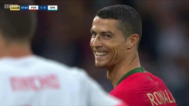World Cup 2018: Khoa học đằng sau những pha ăn vạ trong bóng đá - Ảnh 1.