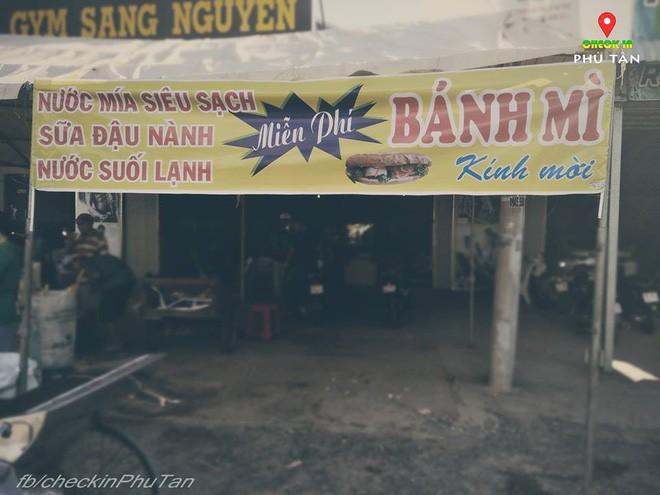 Ngày đại lễ 18/5 thú vị, dư dả tình người ở An Giang: Người lạ đi ngang được cả làng mời ăn nghỉ miễn phí  - Ảnh 11.