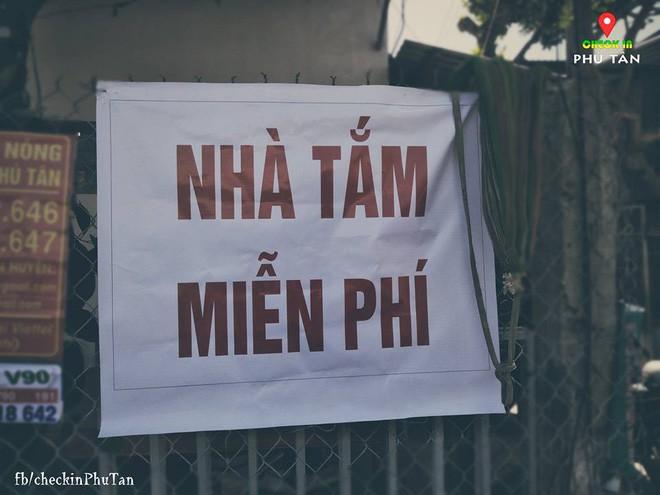 Ngày đại lễ 18/5 thú vị, dư dả tình người ở An Giang: Người lạ đi ngang được cả làng mời ăn nghỉ miễn phí  - Ảnh 9.