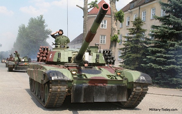Chuyên gia: Nếu cần một cỗ xe tăng cho chiến tranh, hãy chọn T-72 Nga! - Ảnh 1.