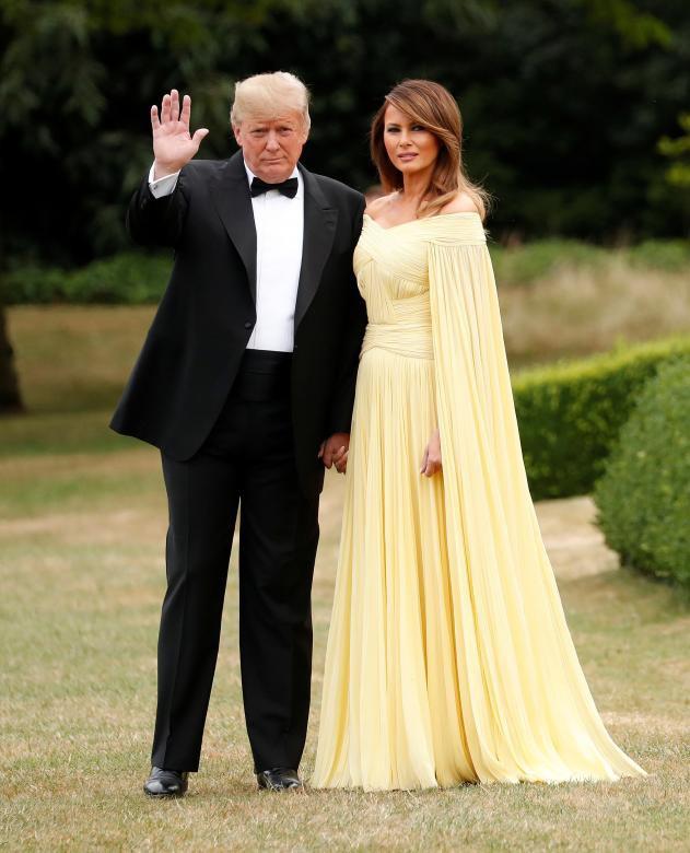 Đệ nhất phu nhân Tổng thống Mỹ lộ vẻ yêu kiều trong chuyến công du Vương quốc Anh - Ảnh 4.