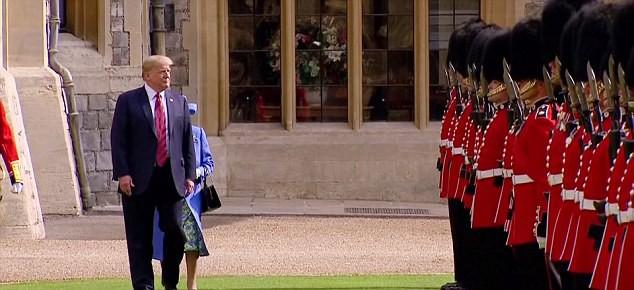 Tổng thống Trump mắc lỗi khiến Nữ hoàng Anh bối rối trong lễ duyệt binh - Ảnh 3.