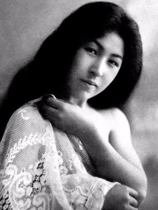 15 bức ảnh mặt mộc không son phấn của các nàng geisha thế kỷ 19 đẹp đến ngỡ ngàng làm bạn không thể rời mắt - Ảnh 14.