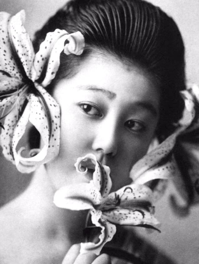 15 bức ảnh mặt mộc không son phấn của các nàng geisha thế kỷ 19 đẹp đến ngỡ ngàng làm bạn không thể rời mắt - Ảnh 6.