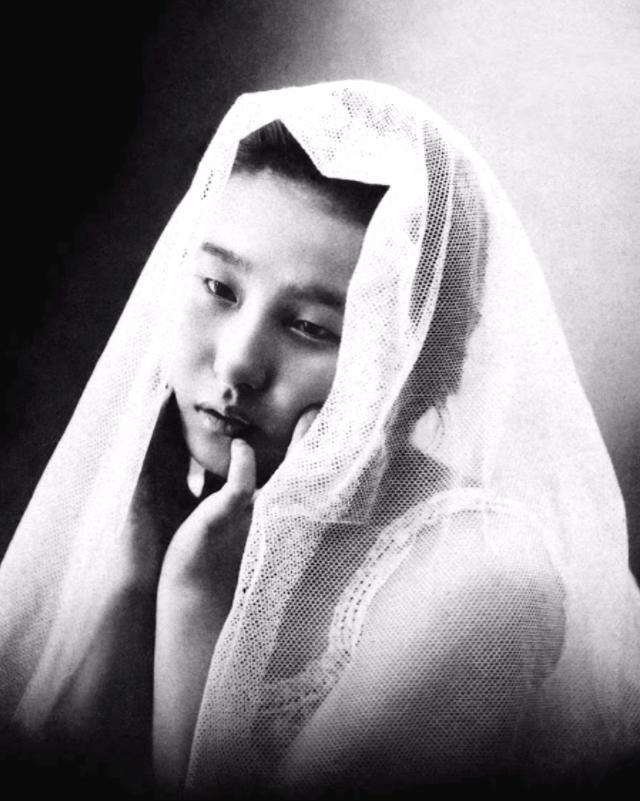 15 bức ảnh mặt mộc không son phấn của các nàng geisha thế kỷ 19 đẹp đến ngỡ ngàng làm bạn không thể rời mắt - Ảnh 10.