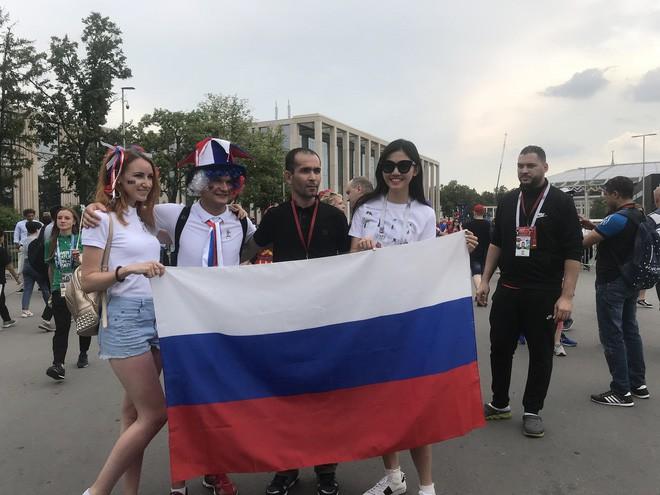 Siêu mẫu Thu Hằng, Á hậu Thanh Tú sang Nga xem chung kết World Cup 2018 - Ảnh 3.