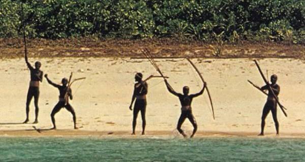 Trên Trái đất vẫn còn các bộ tộc chưa thoát khỏi kỳ đồ đá, và bạn biết họ sống thế nào không? - Ảnh 6.