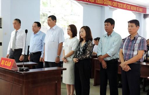 Hơn 350 người được toà triệu tập trong phiên xét xử cựu Chủ tịch TP Vũng Tàu tiếp tay dự án lừa đảo - Ảnh 1.