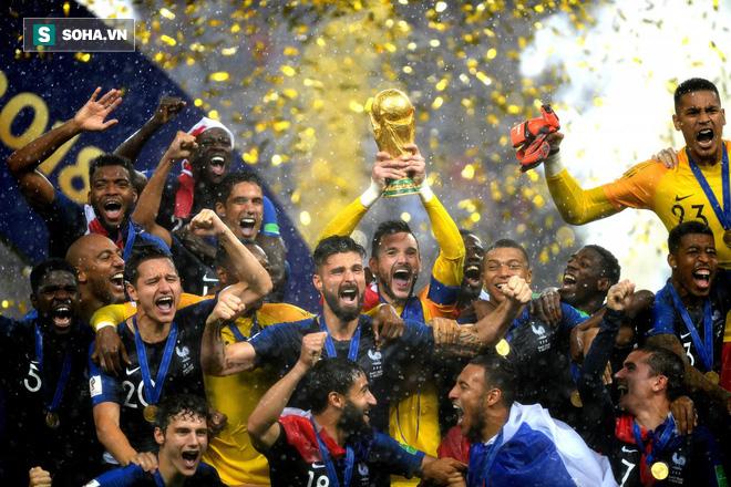 Giroud: Cả World Cup chỉ biết sút trượt, nhưng lúc ăn mừng lại chọn vị trí rất tinh tế - Ảnh 1.