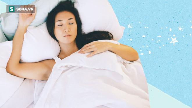 Ai bị bệnh dạ dày, đường ruột, tiêu hóa thì kiểm tra có mắc sai lầm này khi ngủ không - Ảnh 2.