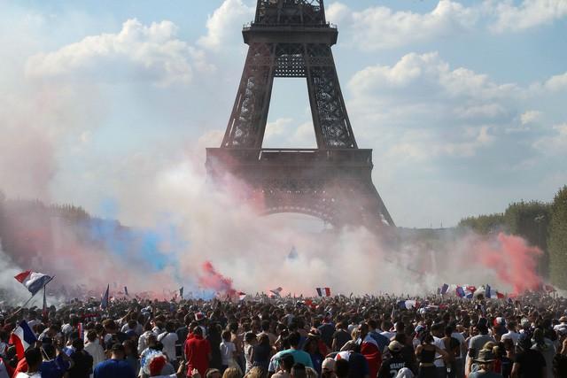 Không phải cúp vàng, đây mới là lý do thật sự khiến Tổng thống Pháp phát điên khi đội nhà vô địch - Ảnh 5.