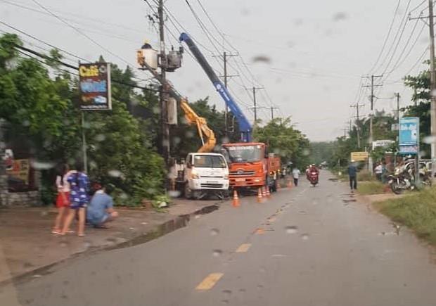 2 thợ điện trọng thương sau vụ nổ trạm điện ở Sài Gòn  - Ảnh 1.