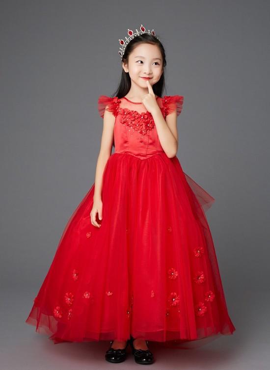 Em họ 7 tuổi xinh đẹp của Phạm Băng Băng chính thức nối gót chị, dấn thân vào showbiz - Ảnh 9.