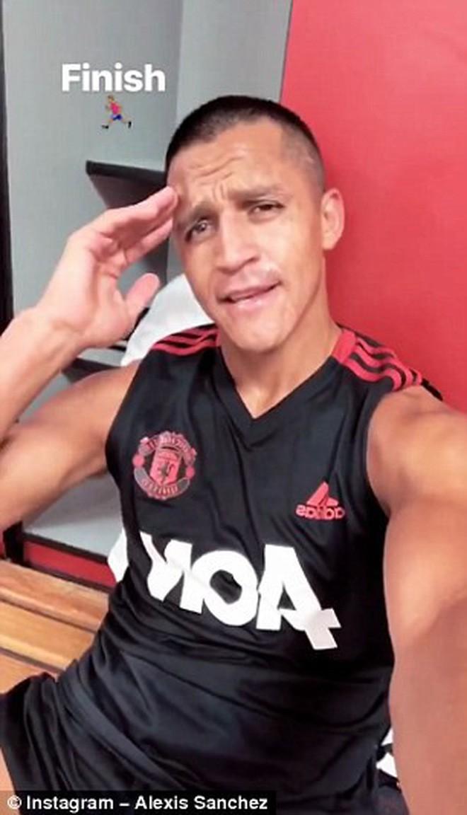 Toàn đội Man Utd sang Mỹ du đấu, riêng Alexis Sanchez ở lại Anh một mình - Ảnh 7.