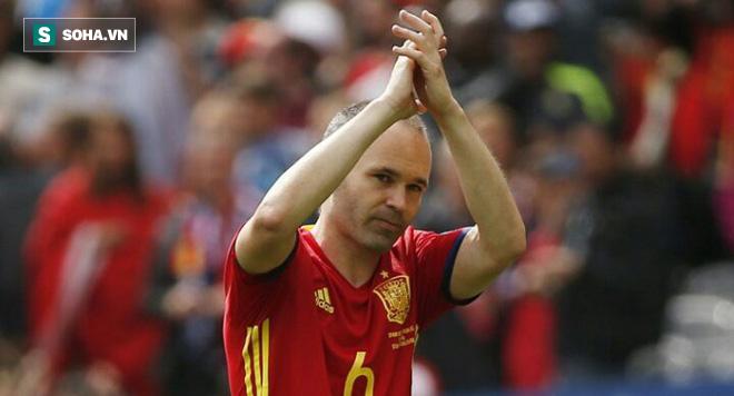 """Iniesta tuyên bố chia tay ĐTQG, gọi thất bại trước Nga là """"ngày buồn nhất sự nghiệp"""" - Ảnh 1."""