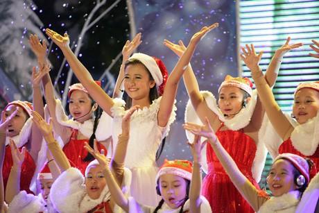 Cuộc sống của nữ MC Chị ong vàng, nổi tiếng từ năm 15 tuổi giờ ra sao? - Ảnh 1.