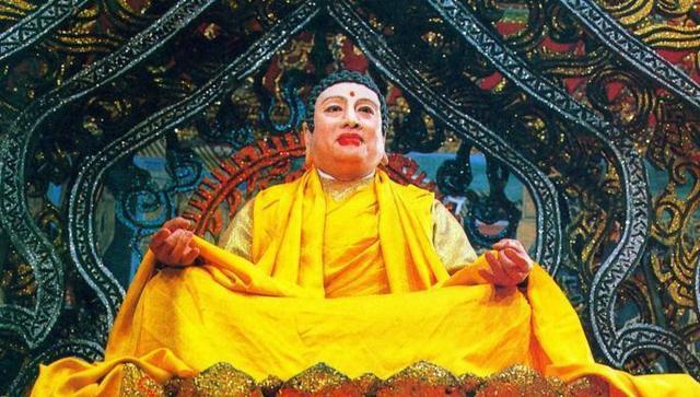 Phật Tổ phim Tây Du Ký 1986: Có 3 con gái xinh đẹp, tự nhận là phận nô bộc trong nhà - Ảnh 1.
