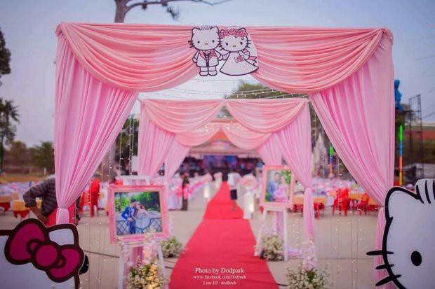 Trở về tuổi thơ với đám cưới Hello Kitty của cặp đôi 9X - Ảnh 1.