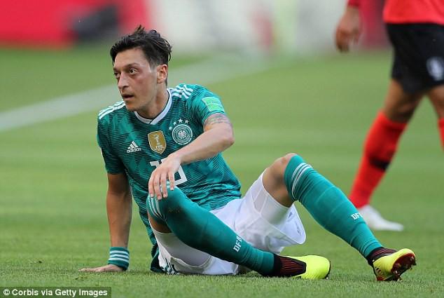 Phẫn nộ vì bị ngược đãi, nhà vô địch World Cup giã từ đội tuyển sau tâm thư ngàn chữ - Ảnh 3.
