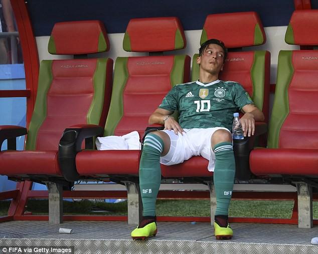 Phẫn nộ vì bị ngược đãi, nhà vô địch World Cup giã từ đội tuyển sau tâm thư ngàn chữ - Ảnh 4.