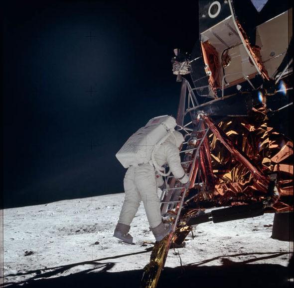 Đến hẹn lại lên: NASA công bố những hình ảnh đáng kinh ngạc về sứ mệnh Apollo 11 - Ảnh 1.