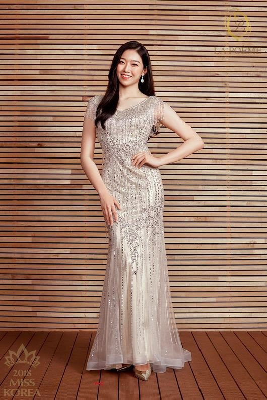 Loạt Hoa hậu châu Á xấu đi vào lịch sử: Người đôi mươi mà trông như bà cô U50, kẻ bị chê nhan sắc đáng sợ đến mức kinh dị - Ảnh 1.