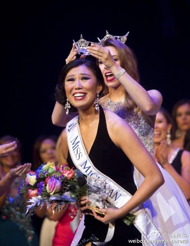 Loạt Hoa hậu châu Á xấu đi vào lịch sử: Người đôi mươi mà trông như bà cô U50, kẻ bị chê nhan sắc đáng sợ đến mức kinh dị - Ảnh 11.