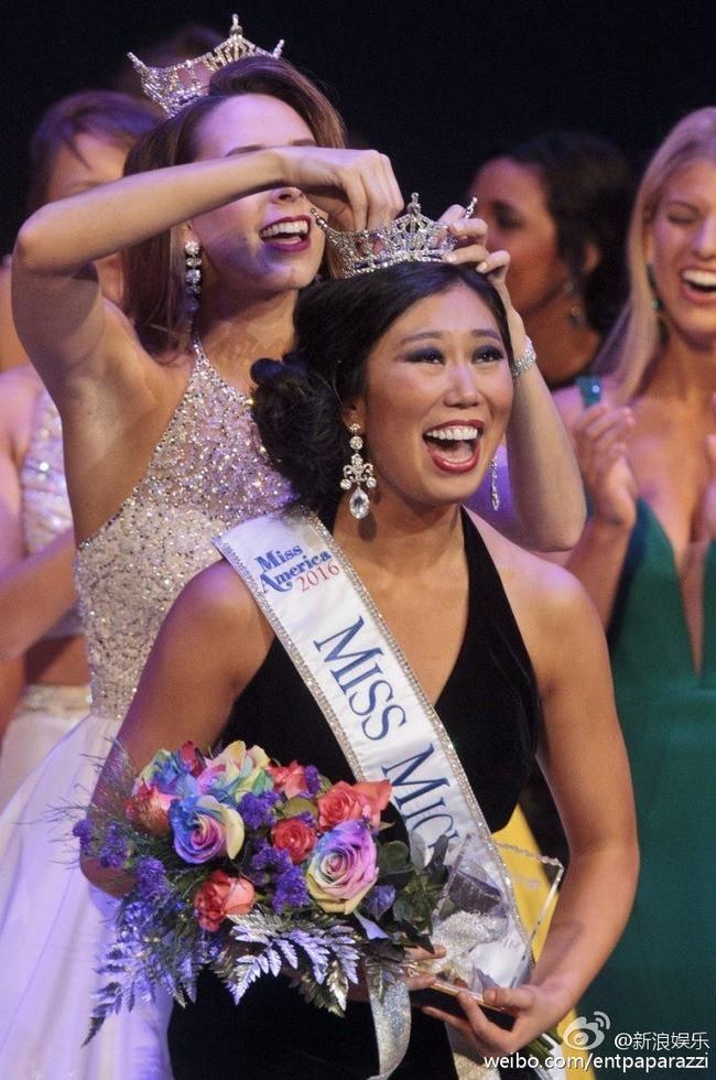 Loạt Hoa hậu châu Á xấu đi vào lịch sử: Người đôi mươi mà trông như bà cô U50, kẻ bị chê nhan sắc đáng sợ đến mức kinh dị - Ảnh 12.