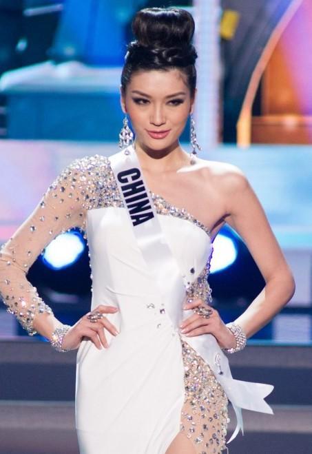 Loạt Hoa hậu châu Á xấu đi vào lịch sử: Người đôi mươi mà trông như bà cô U50, kẻ bị chê nhan sắc đáng sợ đến mức kinh dị - Ảnh 18.