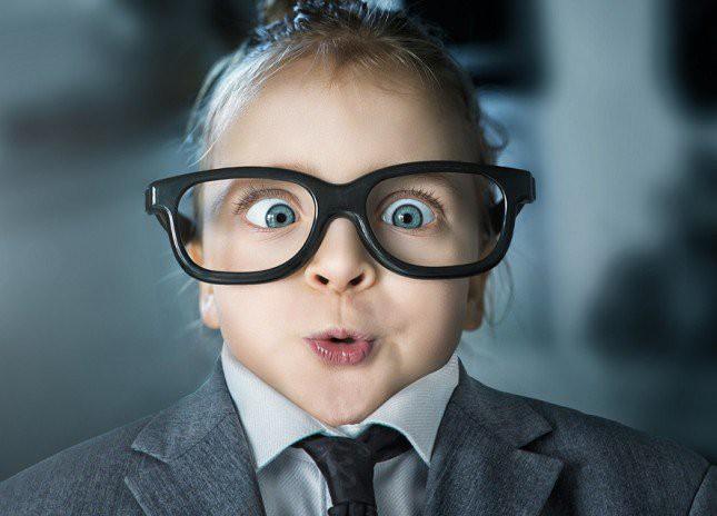 Mẹo vặt mà hội cận thị nhìn rõ mà không cần kính, biết rồi cá rằng ai cũng sẽ làm thử ngay - Ảnh 3.