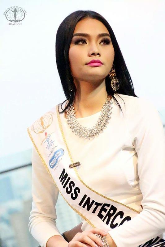 Loạt Hoa hậu châu Á xấu đi vào lịch sử: Người đôi mươi mà trông như bà cô U50, kẻ bị chê nhan sắc đáng sợ đến mức kinh dị - Ảnh 28.