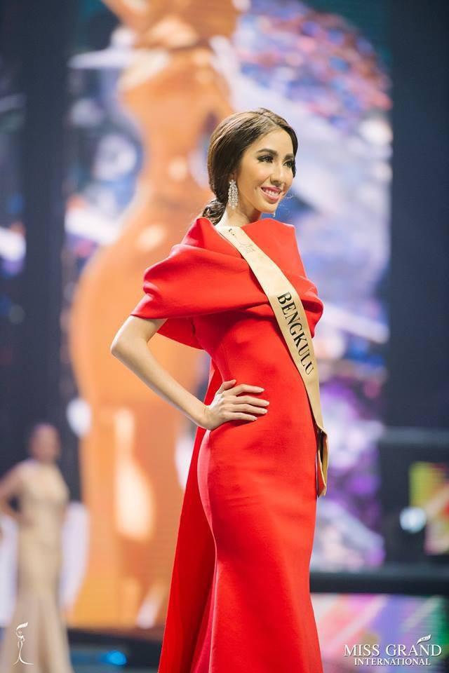 Loạt Hoa hậu châu Á xấu đi vào lịch sử: Người đôi mươi mà trông như bà cô U50, kẻ bị chê nhan sắc đáng sợ đến mức kinh dị - Ảnh 5.