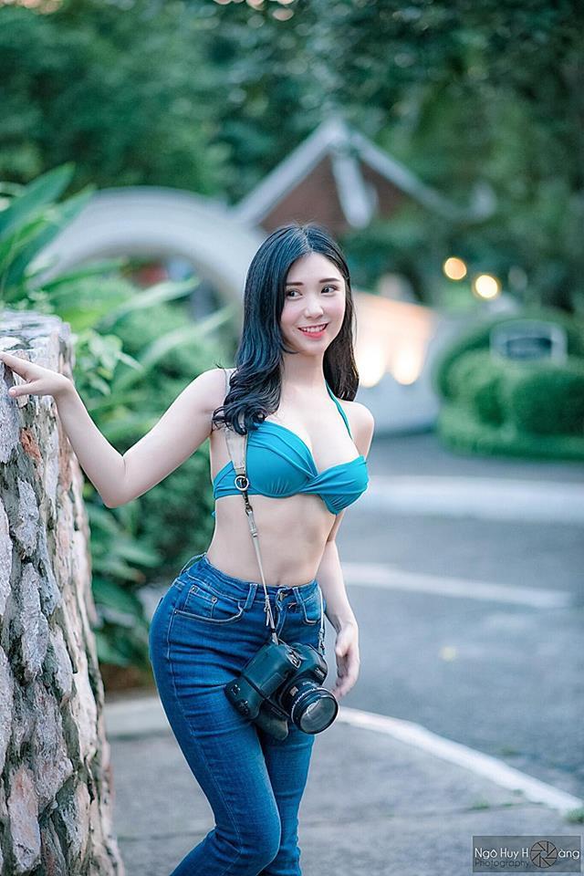 Thanh Bi khoe đường cong nóng bỏng với kiểu mặc khác thường - Ảnh 3.