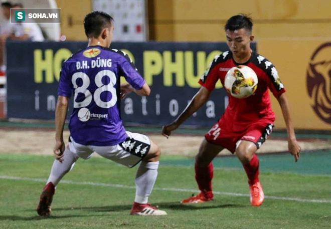 Sai lầm chồng chất, Hà Nội FC vẫn tạo màn rượt đuổi ngoạn mục trên sân nhà - Ảnh 3.
