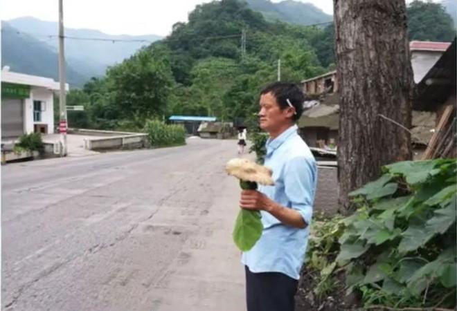 Bắt gặp bản sao tỷ phú Jack Ma hành nghề sửa điều hòa tại Trung Quốc - Ảnh 2.