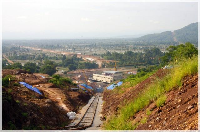 Vụ vỡ đập thủy điện ở Lào: Những hình ảnh thi công gói thầu 385 tỷ đồng của công ty VN - Ảnh 17.
