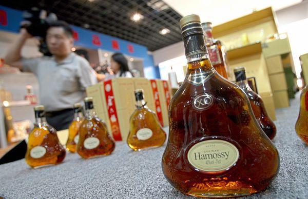 Made in China: Khi người Trung Quốc cũng chẳng tin vào sản phẩm nước nhà - Ảnh 2.