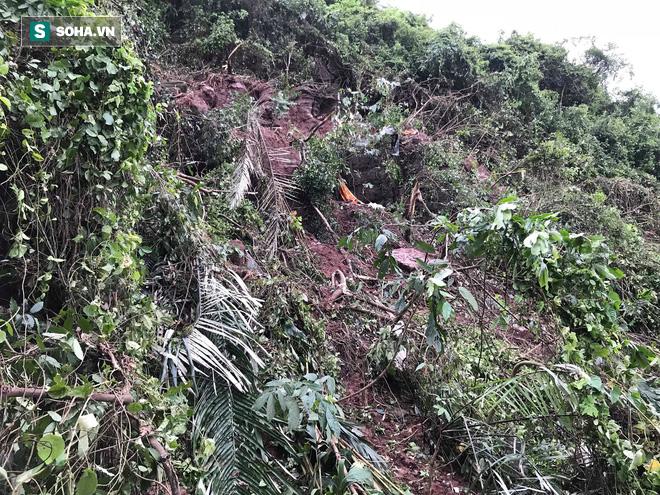 Hiện trường máy bay Su-22 rơi ở Nghệ An trên đỉnh núi Làng Dừa - Ảnh 4.