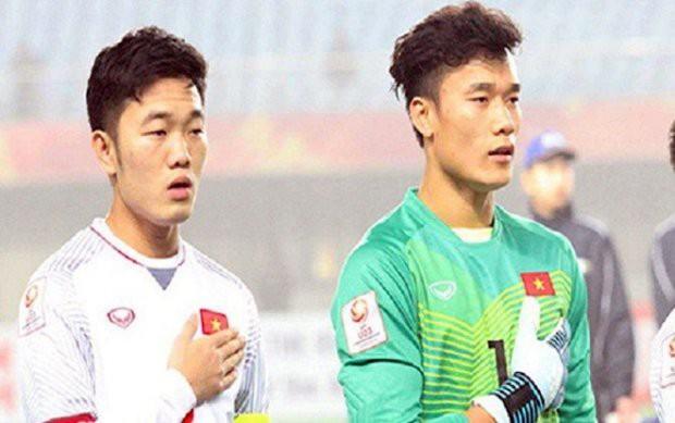 HLV Park Hang Seo đã đúng khi chọn Văn Lâm thay Tiến Dũng - Ảnh 1.