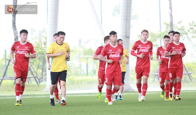 HLV Park Hang Seo nổi nóng trong buổi tập của U23 Việt Nam - Ảnh 1.
