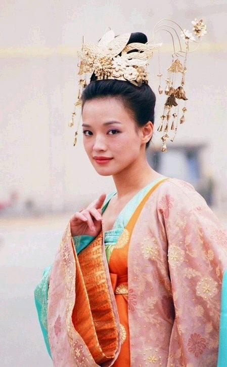 Thời thế đổi thay, nhưng vẻ đẹp của các ngọc nữ điện ảnh Hong Kong thập niên 80 - 90 vẫn xứng danh tường thành nhan sắc - Ảnh 12.
