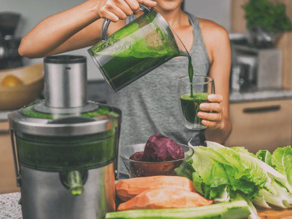 Làm sinh tố giảm cân từ rau lá xanh, giúp giảm mỡ cực nhanh lại vô cùng thơm ngon, dễ uống - Ảnh 1.