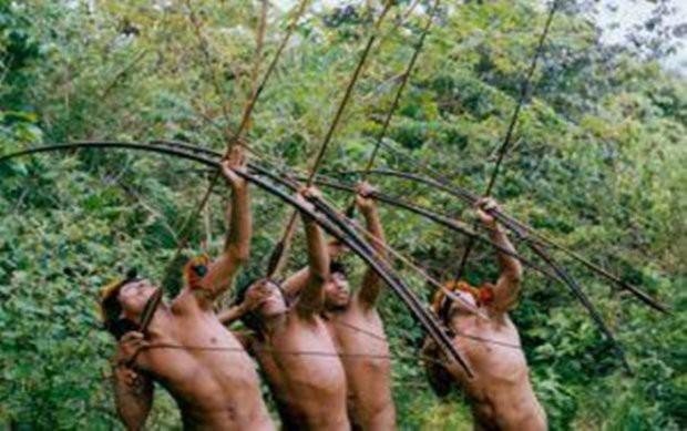 Cận cảnh cuộc sống trong rừng Amazon của các bộ lạc biệt lập với thế giới hiện đại - Ảnh 4.