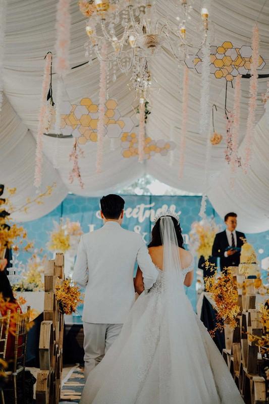 Có đám cưới 1-0-2 như thế này: Rắc mật khắp nơi vì từng nếm trải nhiều đắng cay - Ảnh 19.