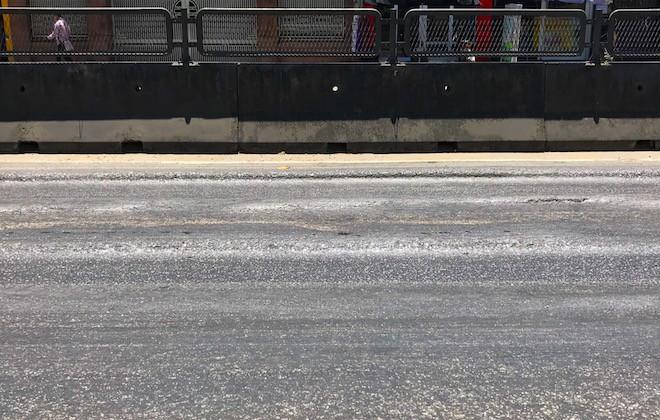 Hãi hùng cảnh đường luống khoai, ô tô đi nổi bánh trên con đường nghìn tỷ - Ảnh 8.